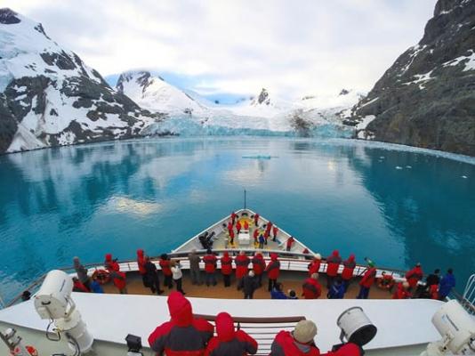 极地豪华邮轮火爆:环保问题随之而来不容忽视