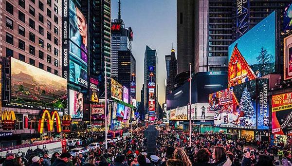 过度旅游:一些城市游客是本地居民数量的数倍