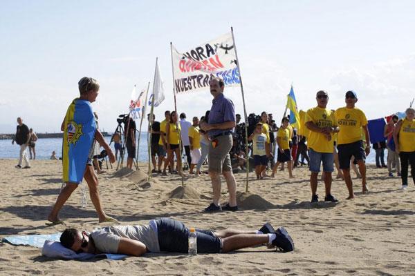 欧洲:多国掀起反游客抗议 或因当地政策不当