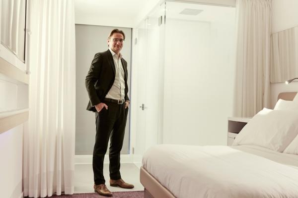 喜达屋资本:2.5亿美元战略投资创新酒店Yotel