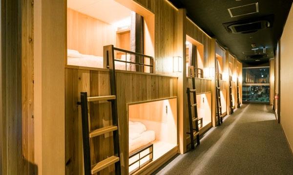 京都:特色胶囊酒店越来越多 不再是压抑空间