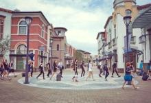 奕欧来购物村:进阶为旅游目的地如何实现?