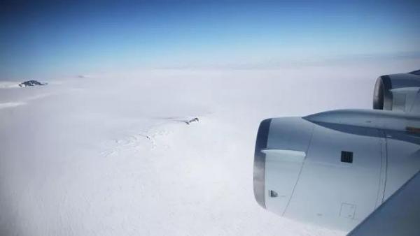 南极旅游:探索世界尽头的同时请带上责任