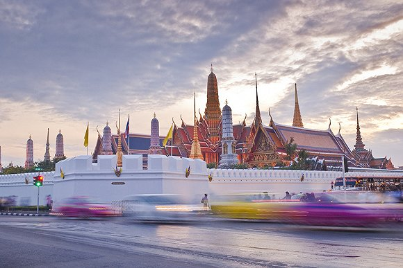 """泰国再延免签证费时限:多项措施力挽游客""""回归"""""""