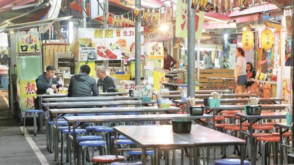 台湾:旅游业者生意惨淡 商圈店面转手频率高