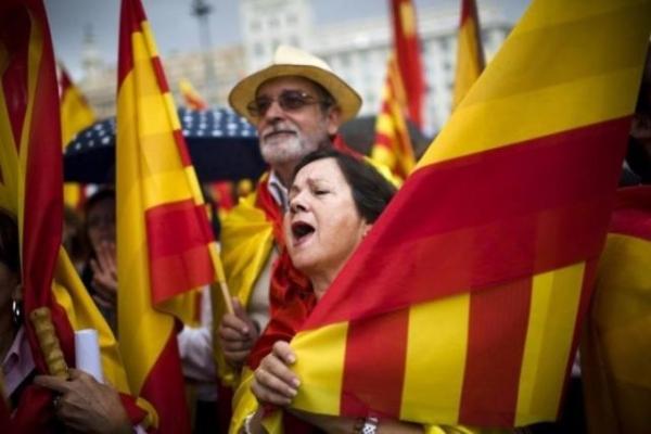 反游客运动:欧洲旅游胜地 要经济还是要脾气