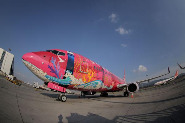 """中国联航:第三架全彩绘飞机""""日照号""""首飞在即"""