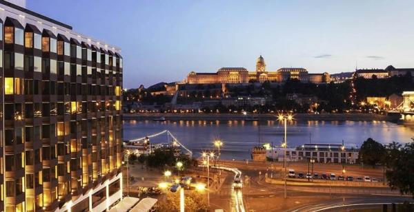 喜达屋资本集团:收购布达佩斯链桥索菲特酒店