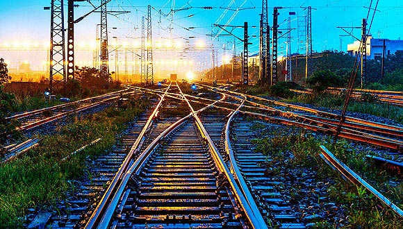 中国国家铁路集团:预计2019年发送旅客36亿人