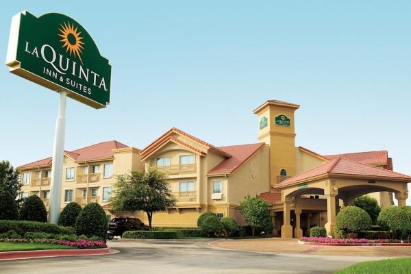 温德姆集团:将以19.5亿美元收购拉昆塔酒店