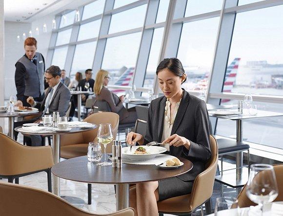 美国航空:经济舱将更经济 高级舱也会更高级