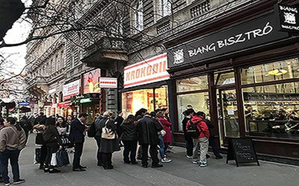 """美食成中国游客刚需:海外中餐能否拯救""""中国胃"""""""