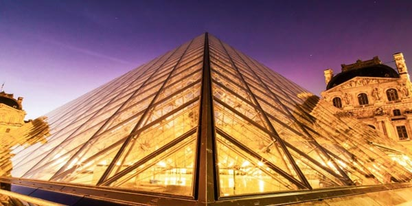 卢浮宫因工作人员担心疫情拒绝上班而被迫闭馆