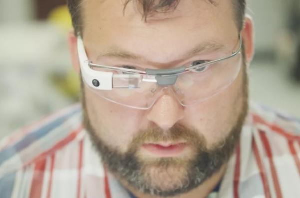 谷歌:研发全新AR头显,类似HoloLens设计