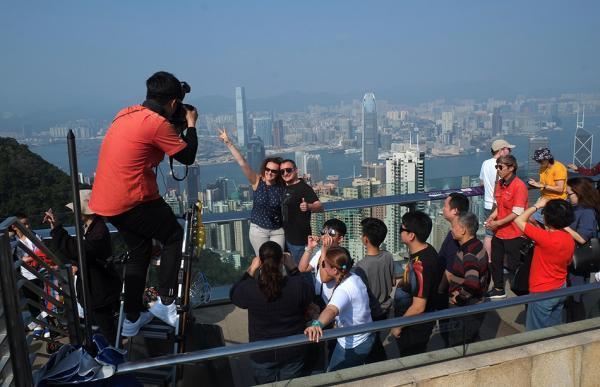 香港旅游业回暖:一季度访港旅客同比增长9.6%