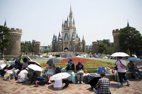 东京迪士尼?#33322;?#38543;上海香港加入亚洲园区扩建战