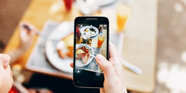 调查:比谷歌和Yelp对食客影响更大的平台是谁