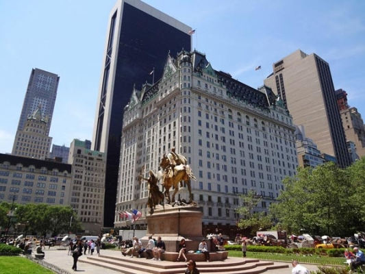 卡塔尔:同意以6亿美元收购纽约广场饭店