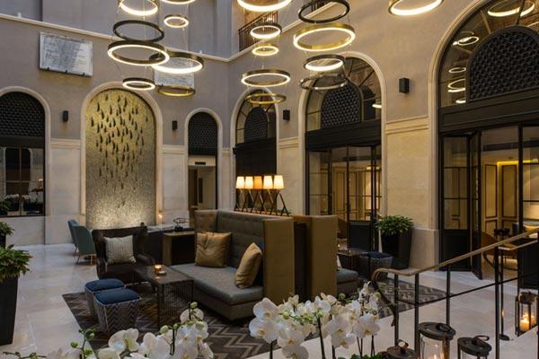 雅高酒店集团:3.19亿美元收购SBE 50%的股份