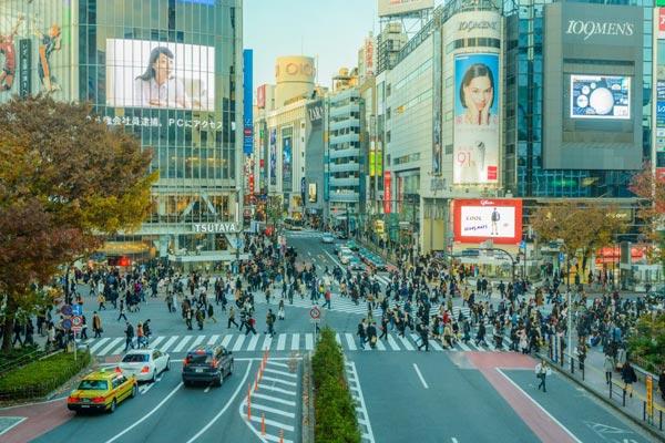 日本:外国游客数量近6年首降 旅游业拉响警报