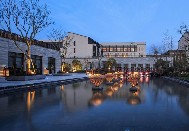 金茂酒店:上半年应占溢利2亿 同比减少19%