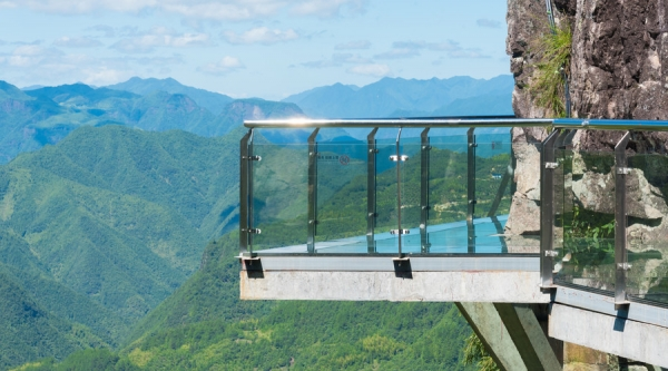 湖南:规范景区玻璃桥(栈道)建设 不得先建后批