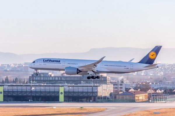 汉莎航空:拟明年出售旗下餐饮子公司剩余业务