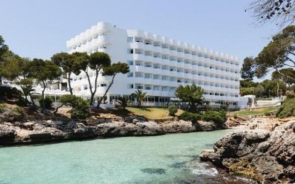 ALG:收购西班牙连锁酒店度假村Alua多数股权