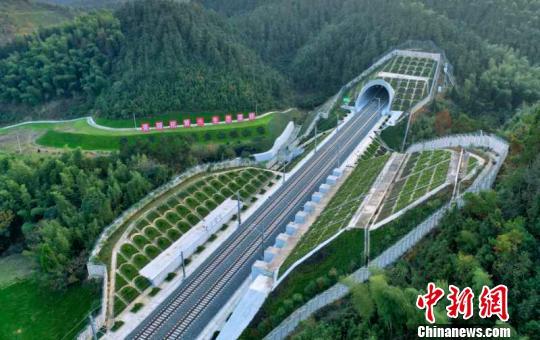 杭黄高铁开通运营:东部再添高铁黄金旅游线