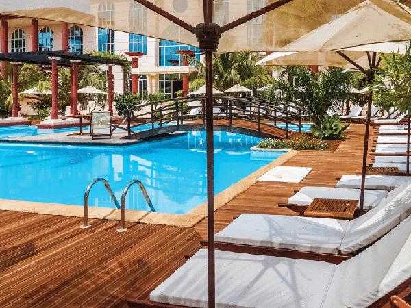 酒店该何去何从:收购、出售还是维持现状?