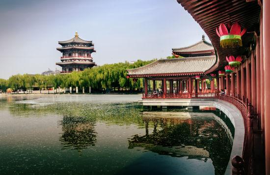 曲江文旅:拟定增募资4.8亿 用于大唐芙蓉园等