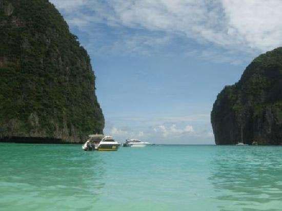泰国:旅游胜地玛雅湾关闭至2021年 恢复生态
