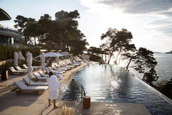 希腊:希望提高自己在豪华游客群中的地位
