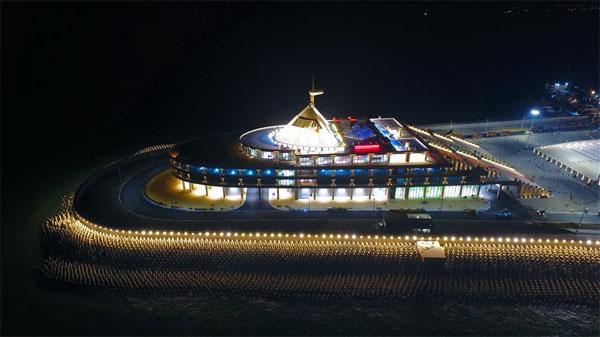 港珠澳大桥:将启动东人工岛旅游开发