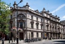 欧洲第二波疫情来袭:英国旅游企业股市震荡