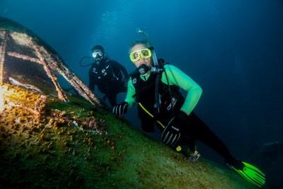 Dive Bahrain:全球最大的水下主题公园开业