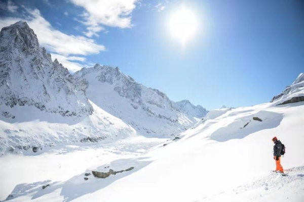 疫情下提早40天关门:滑雪场待破四季经营考题