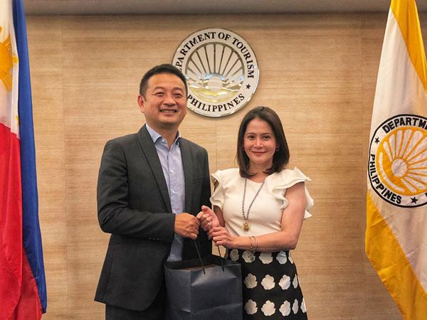 携程加速布局东南亚:梁建章会见菲律宾旅游部长