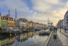 丹麦和荷兰:禁止美国未接种疫苗游客入境